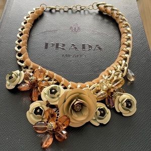 Statement Necklace with flowers - neutral colours